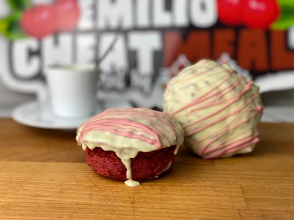 Emilios Red Velvet de chocolate blanco con fresa